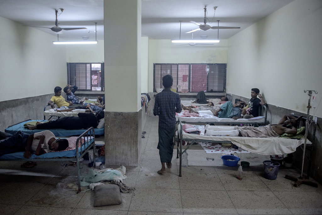 In District Medical Hospital in Cox's Bazar, an entire department has been made, only to take care of rohingya refugees. Here are people with gunshot wounds, stab wounds and severe burns.